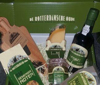 rotterdamsche oude borrelpakket
